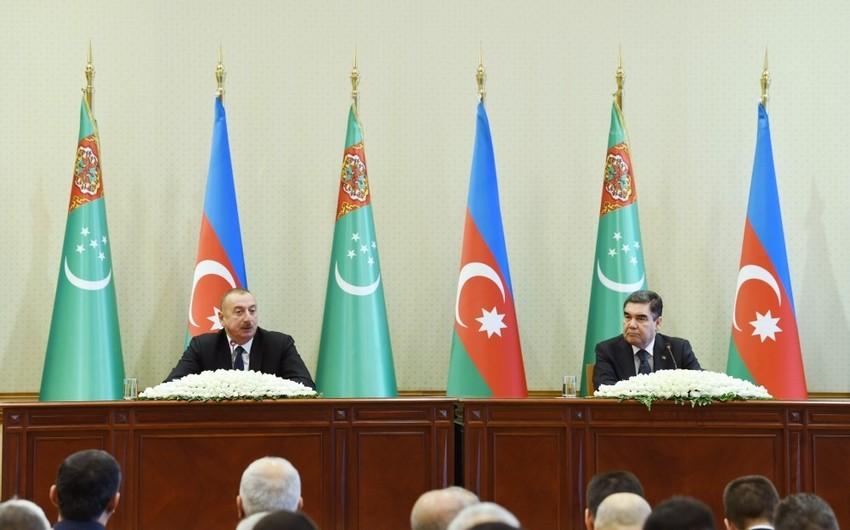 Dövlət başçısı: Yaxın vaxtlarda Türkmənistanla Azərbaycan arasında yük axınının xeyli artımını görəcəyik