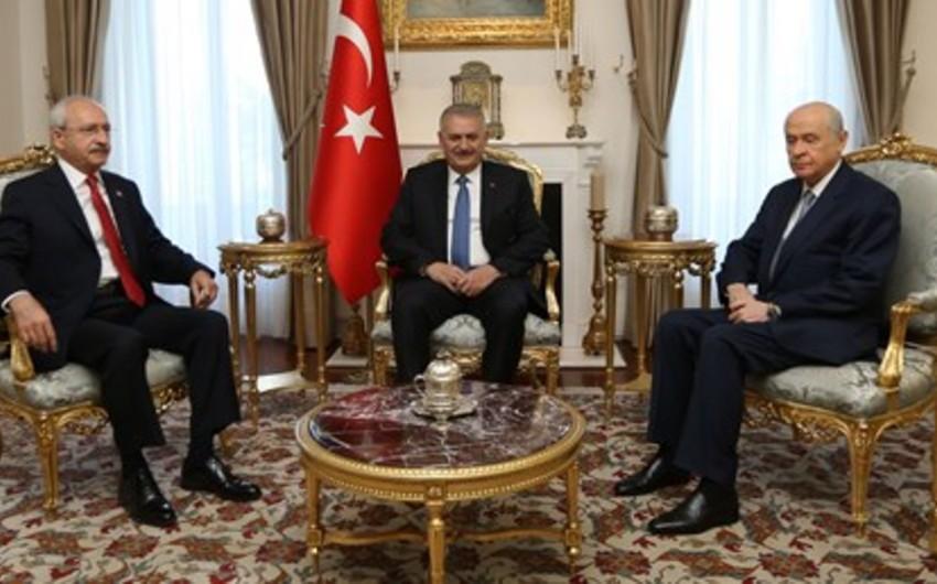 Türkiyənin baş naziri ilə müxalifət liderləri arasında görüş başa çatıb - YENİLƏNİB