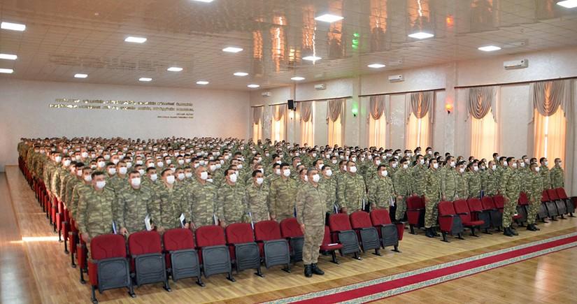 Министр обороны наградил военнослужащих, принимавших участие в миссии в Афганистане