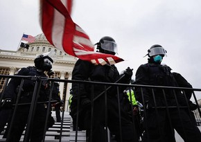 ABŞ polisi Kapitolidə etirazçıları sıxışdırıb,  onlarla etirazçı saxlanılıb