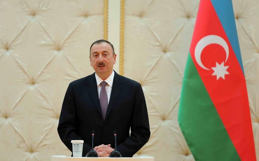 Azerbaijani President congratulates Japan premier and Tunisian president