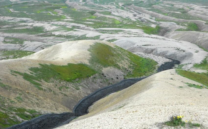 AMEA: Dünyanın ən nəhəng palçıq vulkanı 30 ildən sonra yenidən püskürüb