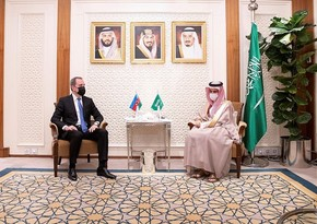 Jeyhun Bayramov meets with Saudi FM