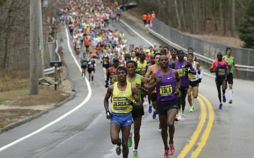 Кенийские марафонцы не смогли установить рекорд из-за ошибок полицейских