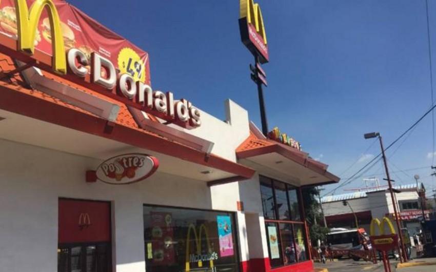 Meksikada McDonald'sdan alınan hamburgerin içindən siçovul çıxıb