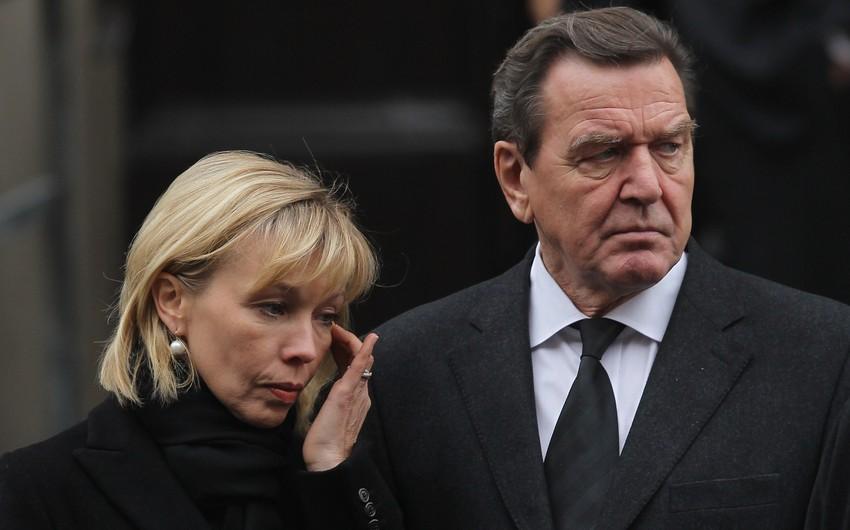 СМИ: Герхард Шредер разводится с супругой после 19 лет брака
