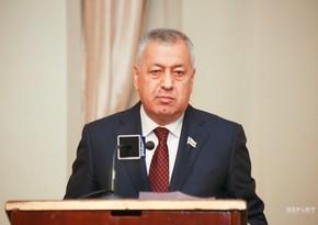 """Vahid Əhmədov: """"Azərbaycan bankları şəhid ailələrinə güzəştə getməlidir"""""""