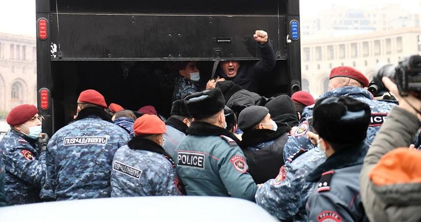 Ermənistanda keçmiş hərbçilər etiraz aksiyalarına başlayır