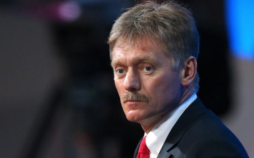 Dmitri Peskov: Kremldə Britaniya ilə münasibətlərin yaxşılaşacağına ümid edirlər