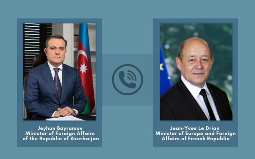 Состоялся телефонный разговор глав МИД Азербайджана и Франции