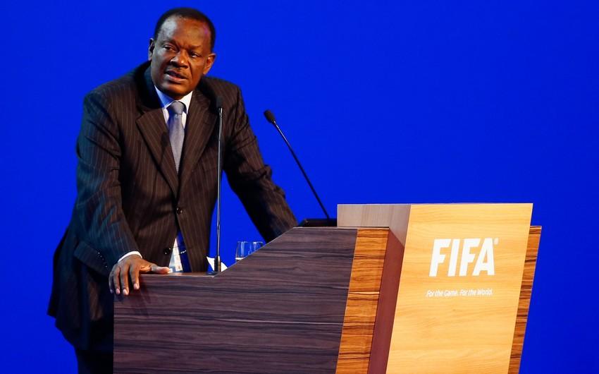 FIFA federasiya prezidentinin cəza müddətini uzatdı