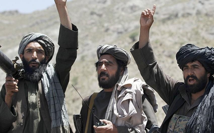 """""""Taliban"""" Əfqanıstanın ikinci böyük şəhəri Qəndaharı ələ keçirib"""