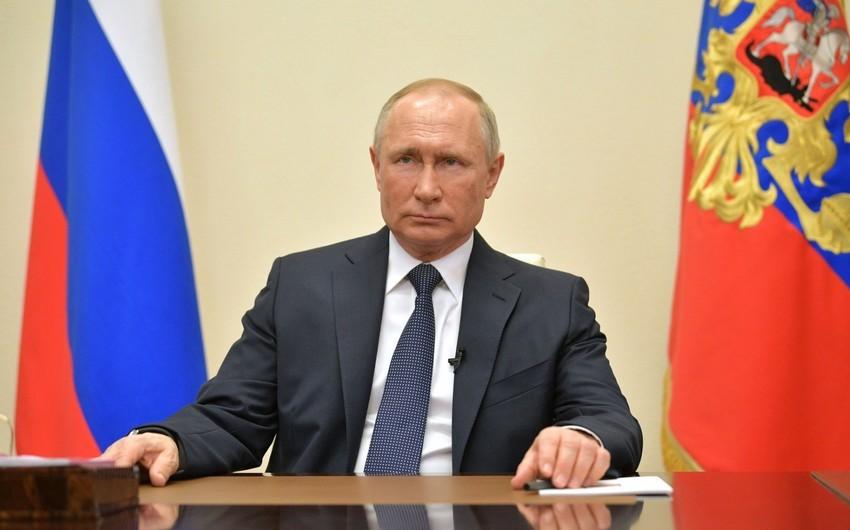 Putin MDB məkanındakı vəziyyəti Təhlükəsizlik Şurası ilə müzakirə edib