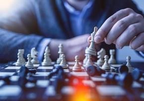 Шахматный тур чемпионов: Раджабов обыграл Карлсена, Мамедъяров победил Гири
