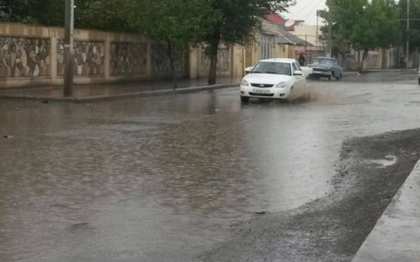 Azəryolservis: Cənub bölgəsində yollarda yaranan problemlər aradan qaldırılır