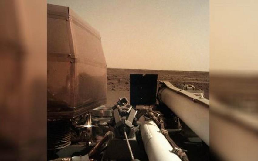 NASA Marsın səthində ilk qazıntı işlərinə başlayıb