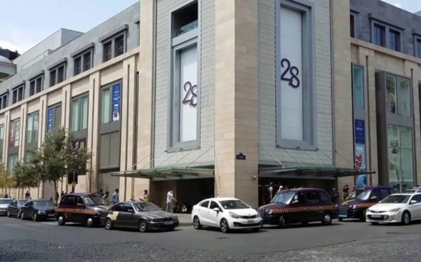 """Turist """"28 mall""""da oğurluq edib"""