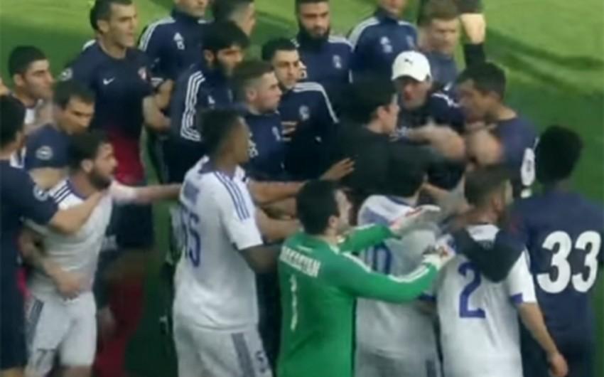 Futbol üzrə Azərbaycan çempionatında dava düşüb
