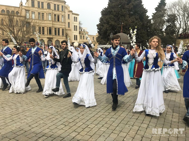 Baku prepares for Novruz holiday festives