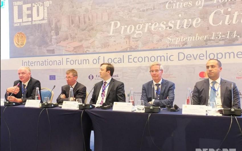 """Tbilisidə """"Yerli iqtisadi inkişaf"""" mövzusunda beynəlxalq konfrans keçirilir"""