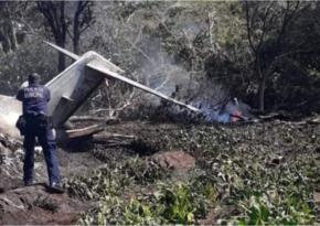 В Мексике разбился военный самолет, множество погибших