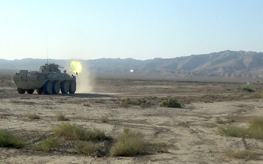 Azərbaycan Ordusunun zirehli texnikalarının təlimləri keçirilir