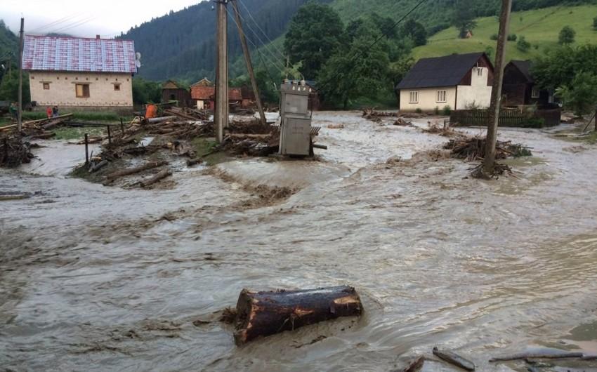 В Азербайджане наблюдаются сели и наводнения на реках