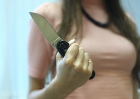 В Баку девушка зарезала своего знакомого