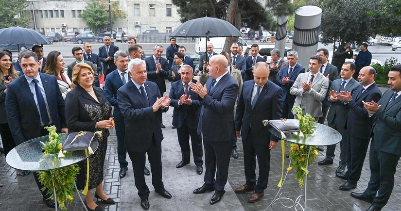 Vahid Ələkbərov Yelo Bankın yeni baş ofisinin açılışında iştirak etdi