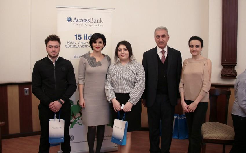 AccessBank UNEC tələbələrinin elmi-tədqiqat işlərinin çapına dəstək verib
