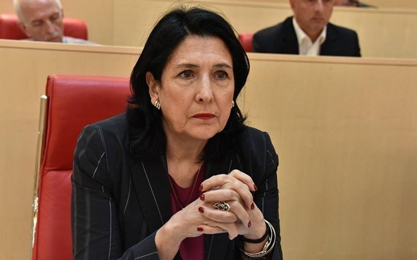 Gürcüstan prezidenti baş nazirin istefasına münasibət bildirib