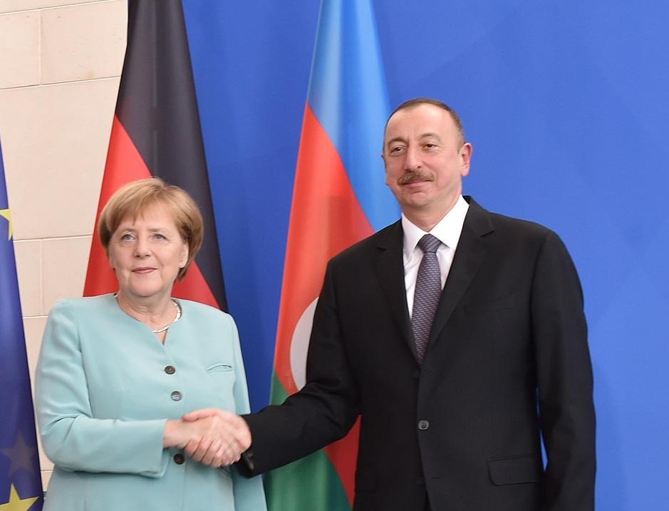 Ангела Меркель: Германия будет принимать участие в мирном урегулировании нагорно-карабахского конфликта и поддерживать усилия сопредседателей