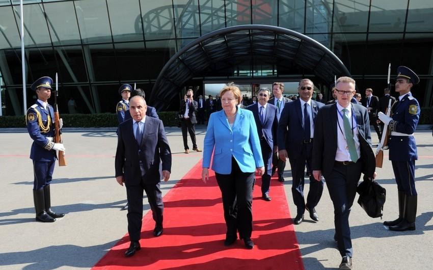 Angela Merkelin Azərbaycana səfəri başa çatıb