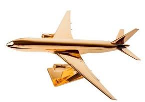 Азербайджанская компания покупает золотой самолет