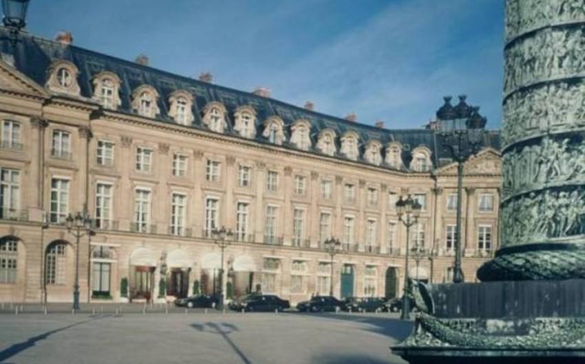 Parisin mərkəzindəki Ritz hotelində yanğın olub