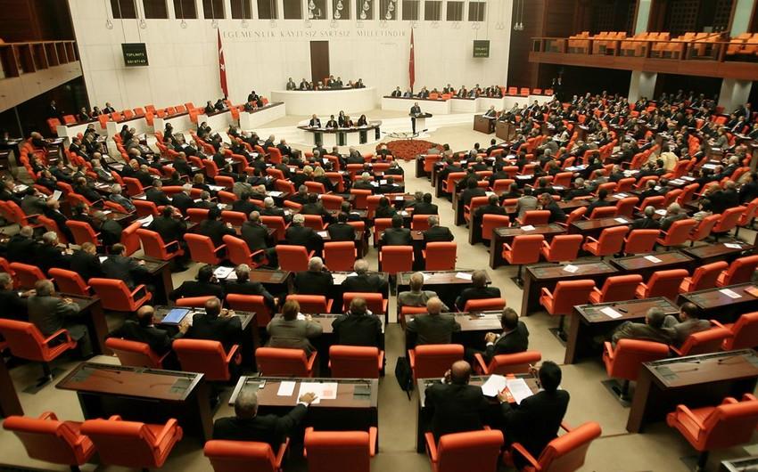 Türkiyə parlamentinə sədr seçkisi koalisiya hökumətinin ortaqlarını da aşkarladı - ŞƏRH