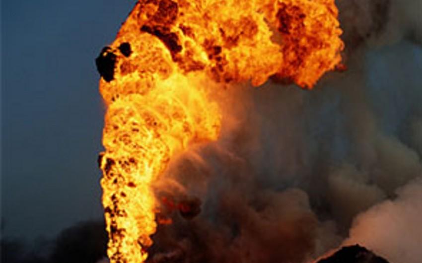 ABŞ-ın Oklaxoma ştatında neft buruğu yanıb