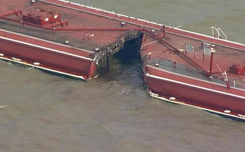 Neft tankerinin yedək gəmi ilə toqquşması nəticəsində Hyuston kanalına tonlarla neft axıb