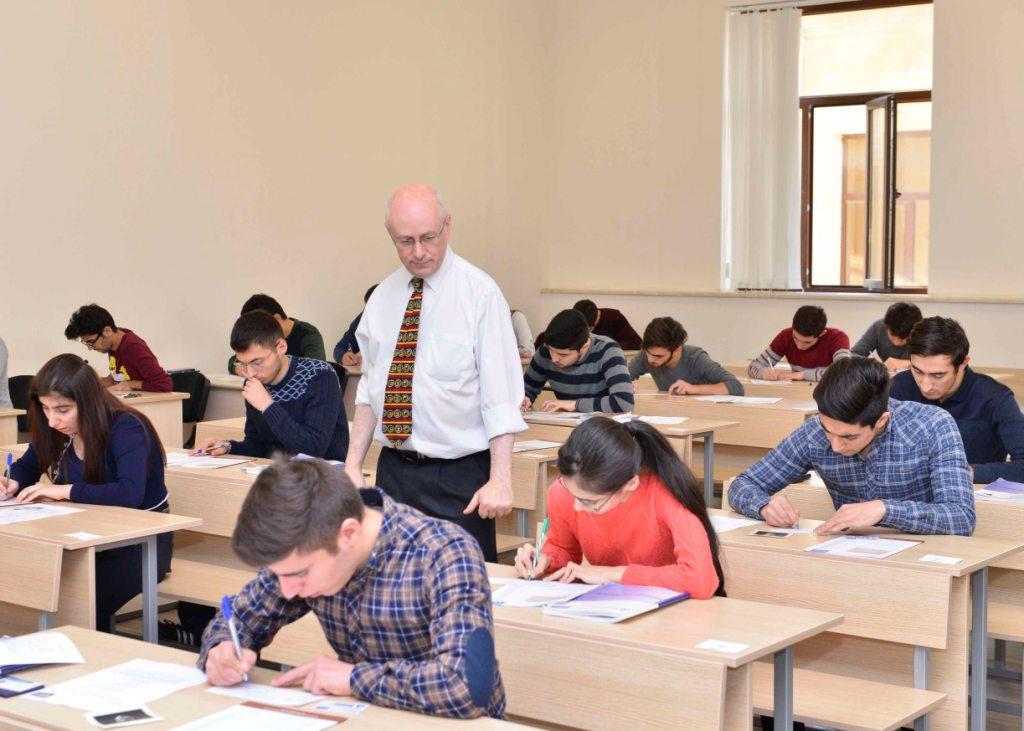 Bakı Ali Neft Məktəbində semestr imtahanlarını britaniyalı müəllimlər keçirir