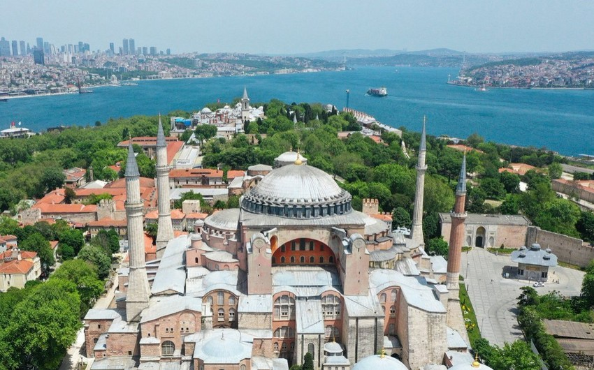 Historical day:Hagia Sophia ready for first Muslim prayer after 86 years