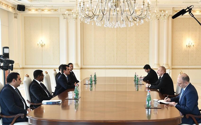 Президент Ильхам Алиев принял гендиректора ИСЕСКО