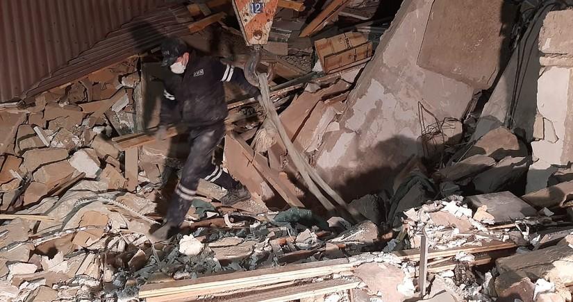Xırdalanda dağıntılar altından çıxarılmış şəxslərdən 5-i evə buraxıldı - SİYAHI