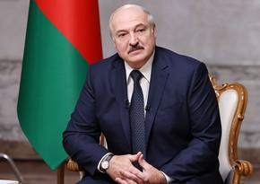 Aleksandr Lukaşenko: Faşistlər Bakı neftinə ona görə can atırdılar ki, bizim ordumuzu bu neftdən ayırsınlar