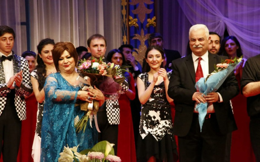 """Musiqili Teatrda Toya bir gün qalmış"""" komediyasının nümayişi keçirilib"""