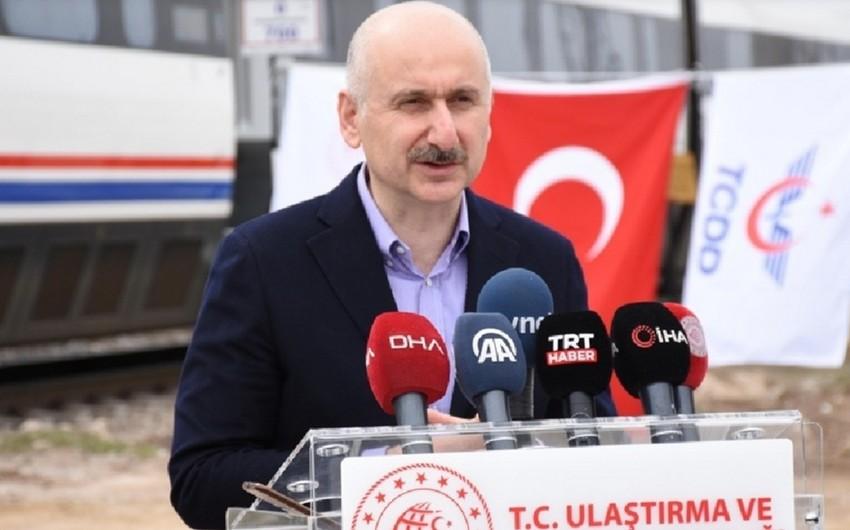 Türkiyəli nazir Bakı-Tbilisi-Qars dəmiryolu xəttinin əhəmiyyətindən danışıb
