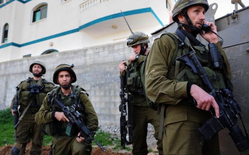 İsrail hərbçiləri onlara hücum edən fələstinlini güllələyib