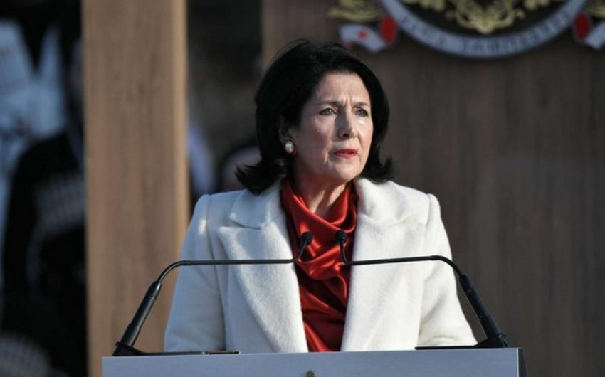 Gürcüstan prezidenti qadın qətllərinə sərt reaksiya verdi