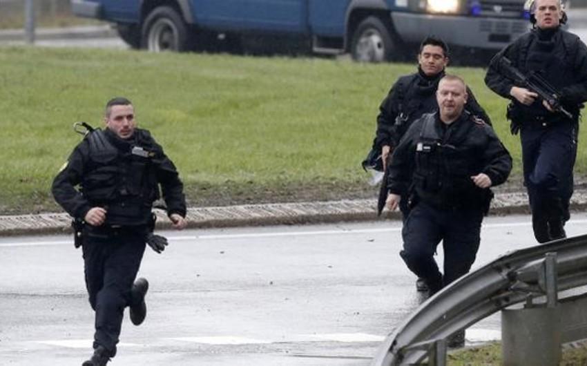 Fransanın mərkəzi regionunda naməlum şəxslər insanları girov götürüb