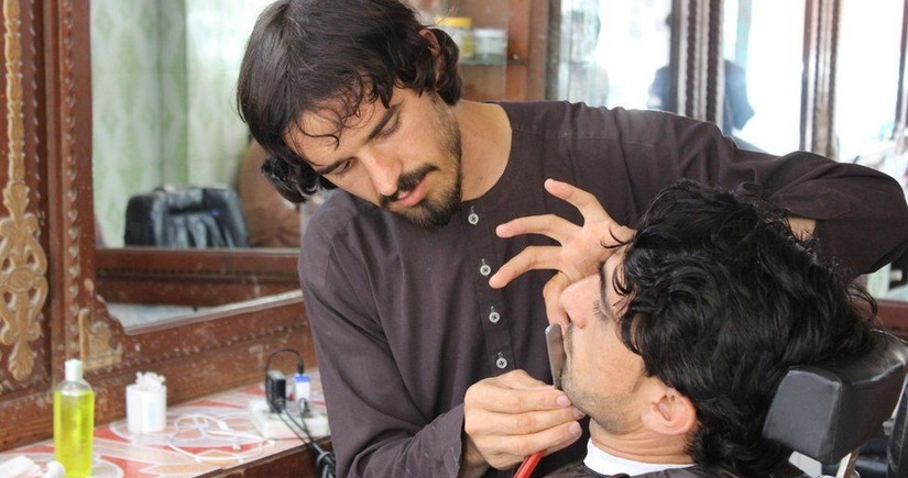 Taliban ban barbers from trimming beards in Afghanistan