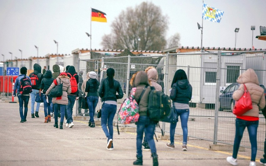 Number of refugees flocking to Germany rises again - STATISTICS